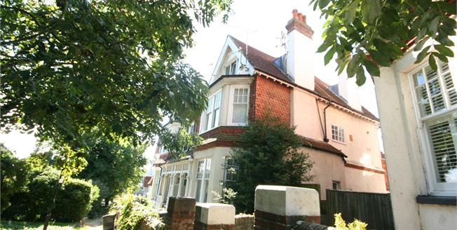 Guide Price £110,000, 1 Bedroom For Sale in East Sussex, BN21