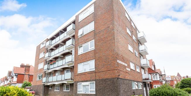 Asking Price £219,950, 2 Bedroom Flat For Sale in Eastbourne, BN21