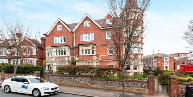 Asking Price £215,000, 2 Bedroom Flat For Sale in Eastbourne, BN21