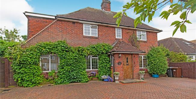 Guide Price £550,000, 5 Bedroom Detached House For Sale in Polegate, BN26