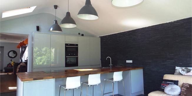 Asking Price £390,000, 4 Bedroom Semi Detached House For Sale in Bognor Regis, PO22