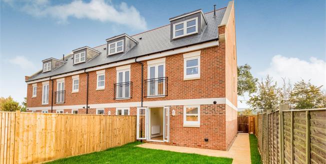 Asking Price £320,000, 4 Bedroom End of Terrace House For Sale in Bognor Regis, PO22