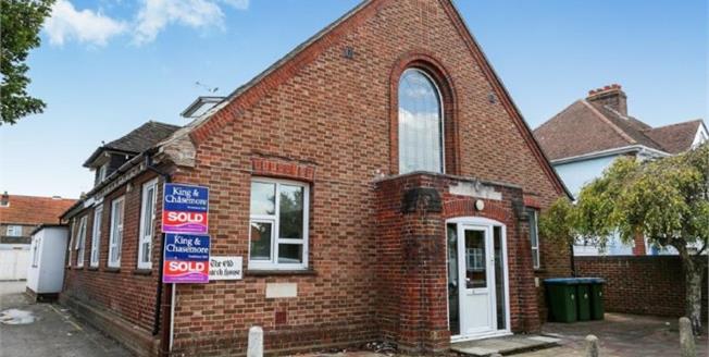Guide Price £110,000, 1 Bedroom Flat For Sale in Bognor Regis, PO21