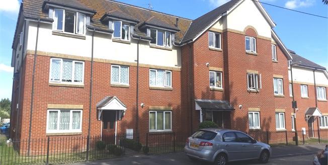 Asking Price £180,000, 2 Bedroom Flat For Sale in Bognor Regis, PO21