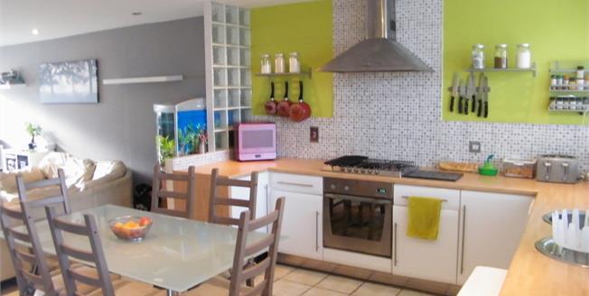 Asking Price £190,000, 3 Bedroom Terraced House For Sale in Bognor Regis, PO22