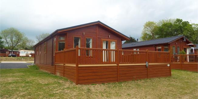 £115,000, 2 Bedroom Detached Mobile Home For Sale in Haveringland, NR10