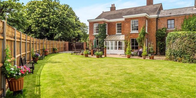 Asking Price £575,000, 5 Bedroom Link Detached House For Sale in Stalham, NR12