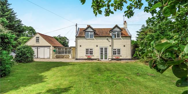 Offers in excess of £375,000, 3 Bedroom Detached Cottage For Sale in Potter Heigham, NR29