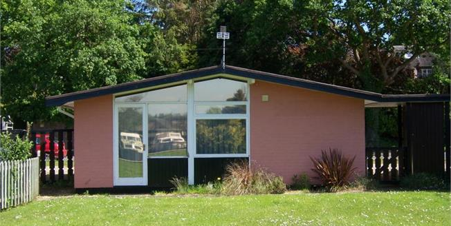Guide Price £180,000, 2 Bedroom Detached Bungalow For Sale in Norwich, NR12