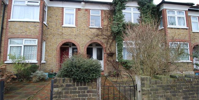 Asking Price £285,000, 2 Bedroom Maisonette For Sale in Croydon, CR0