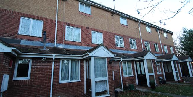 Offers in excess of £210,000, 1 Bedroom Maisonette For Sale in Croydon, CR0