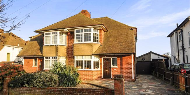 Asking Price £575,000, 4 Bedroom Semi Detached House For Sale in Croydon, CR0