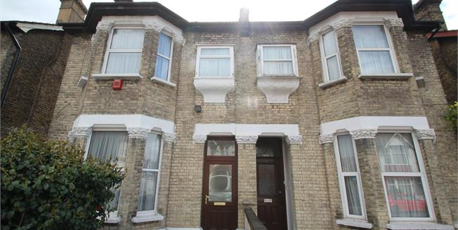 Asking Price £525,000, 3 Bedroom Semi Detached House For Sale in Thornton Heath, CR7