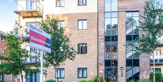 Asking Price £350,000, 2 Bedroom Flat For Sale in Croydon, CR0