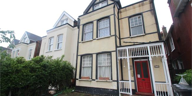 Asking Price £190,000, Flat For Sale in Croydon, CR0