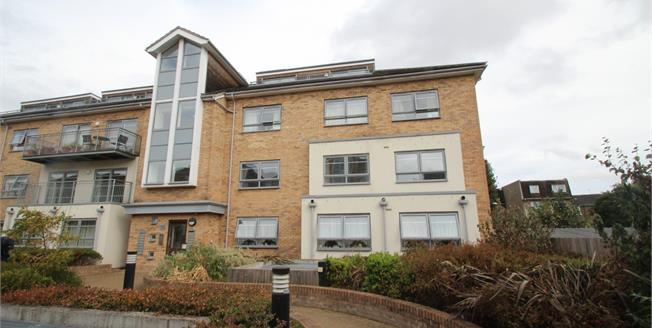 Asking Price £365,000, 2 Bedroom Flat For Sale in Croydon, CR0