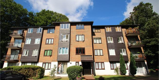 Asking Price £275,000, 1 Bedroom Flat For Sale in Croydon, CR0
