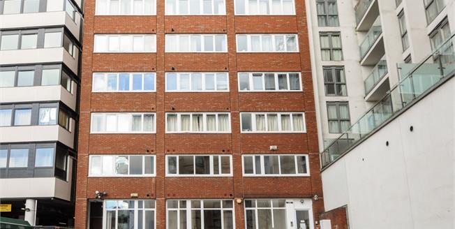 Asking Price £365,000, 2 Bedroom For Sale in Croydon, CR0