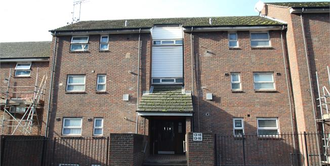 Asking Price £220,000, 1 Bedroom Flat For Sale in Croydon, CR0