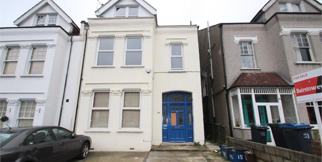 Asking Price £320,000, 2 Bedroom Flat For Sale in Croydon, CR0