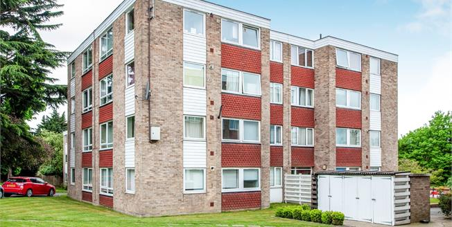 Offers in excess of £260,000, 2 Bedroom Flat For Sale in Croydon, CR0