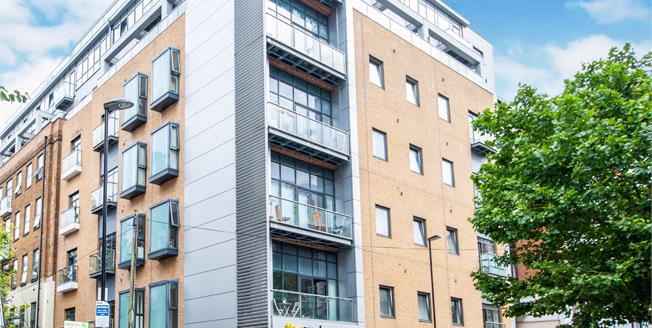 Asking Price £600,000, 3 Bedroom Flat For Sale in Croydon, CR0