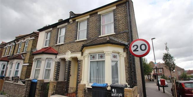 Asking Price £375,000, 3 Bedroom End of Terrace House For Sale in Croydon, CR0