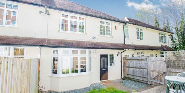 Guide Price £375,000, 3 Bedroom Terraced House For Sale in Whyteleafe, CR3