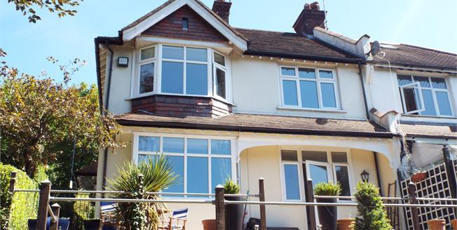 Guide Price £550,000, 4 Bedroom Semi Detached House For Sale in Purley, CR8
