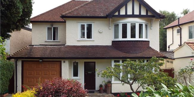Asking Price £800,000, 5 Bedroom Detached House For Sale in Purley, CR8