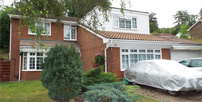 Asking Price £695,000, 4 Bedroom Detached House For Sale in South Croydon, CR2
