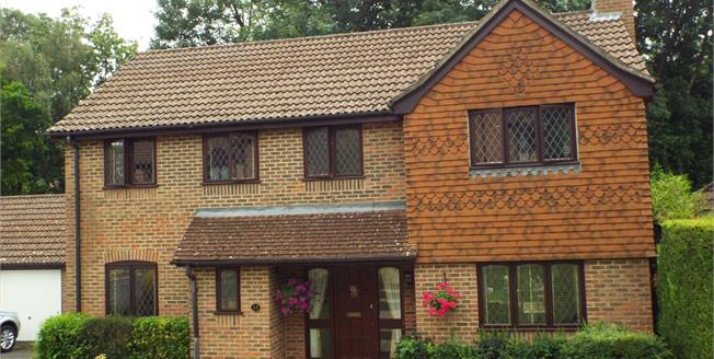 Asking Price £750,000, 5 Bedroom Detached House For Sale in South Croydon, CR2