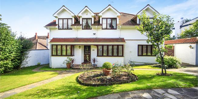 Asking Price £1,200,000, 7 Bedroom Detached House For Sale in South Croydon, CR2