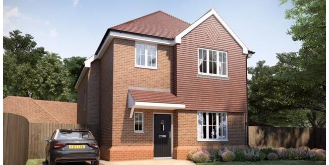 £770,000, 4 Bedroom Detached House For Sale in South Croydon, CR2