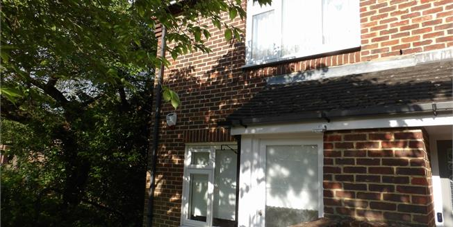 Offers in excess of £215,000, 1 Bedroom End of Terrace Maisonette For Sale in South Croydon, CR2