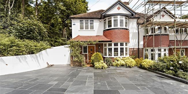 Guide Price £550,000, 3 Bedroom Semi Detached House For Sale in South Croydon, CR2