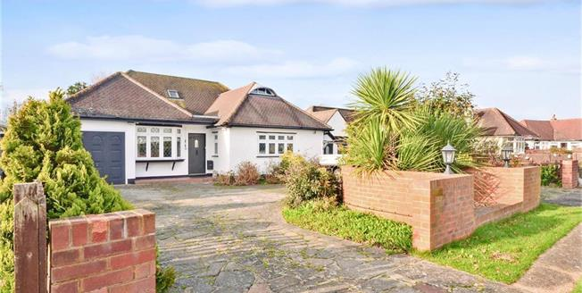 £620,000, 5 Bedroom Detached Bungalow For Sale in South Croydon, CR2