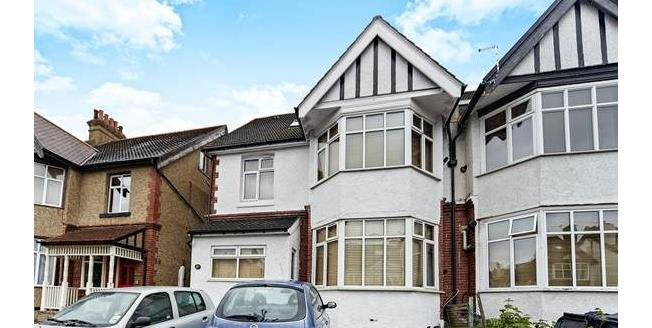 Guide Price £209,950, 1 Bedroom Flat For Sale in South Croydon, CR2