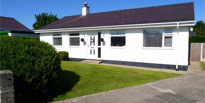 £229,500, 4 Bedroom Detached Bungalow For Sale in Llanbedrog, LL53
