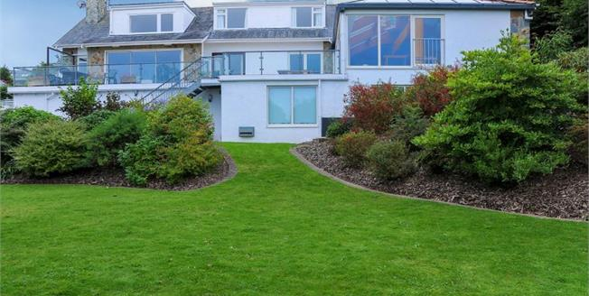 £950,000, 5 Bedroom Detached House For Sale in Bwlchtocyn, LL53