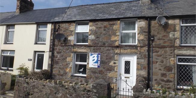 £158,000, 2 Bedroom Terraced House For Sale in Llanbedrog, LL53