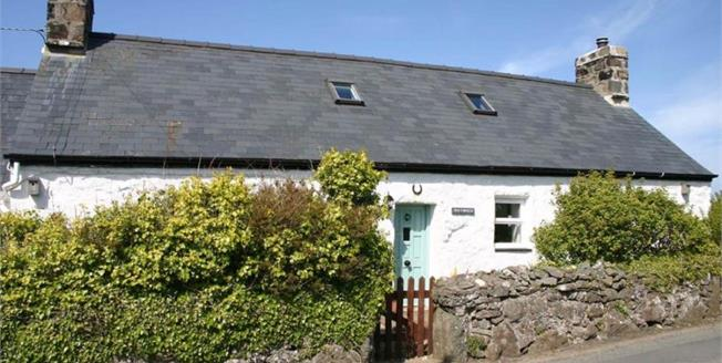 £340,000, 2 Bedroom Detached Cottage For Sale in Rhiw, LL53