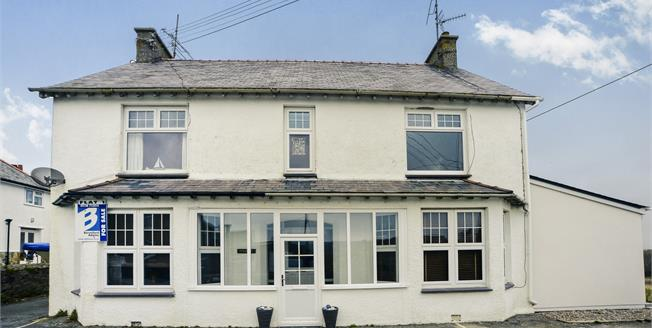 £265,000, 2 Bedroom Flat For Sale in Abersoch, LL53