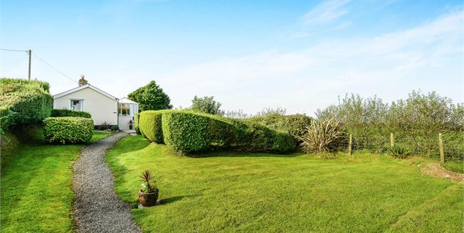 Asking Price £195,000, 2 Bedroom Detached Bungalow For Sale in Mynytho, LL53