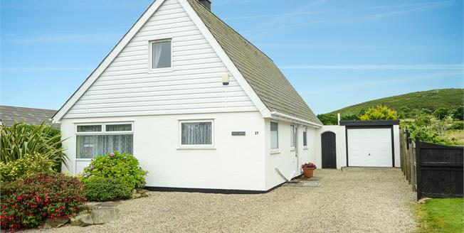 £287,000, 4 Bedroom Detached House For Sale in Mynytho, LL53