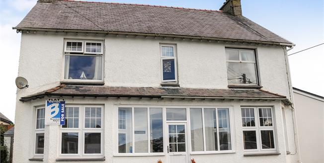 £159,000, 2 Bedroom Flat For Sale in Abersoch, LL53