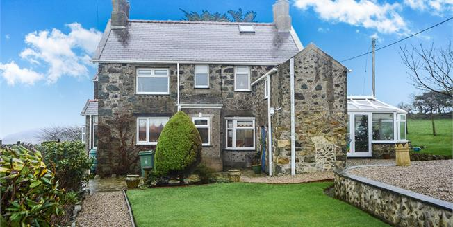 Offers in the region of £450,000, 3 Bedroom Detached House For Sale in Llanbedrog, LL53