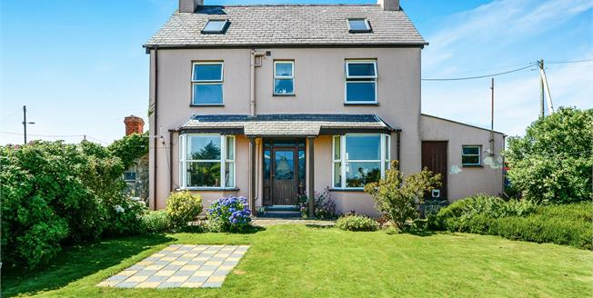 Asking Price £265,000, 4 Bedroom Detached House For Sale in Mynytho, LL53