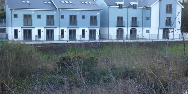 £459,500, 3 Bedroom Mews House For Sale in Pen Y Bont By The River Side, LL53