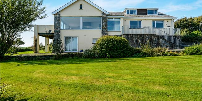 Asking Price £895,000, 4 Bedroom Detached House For Sale in Abersoch, LL53